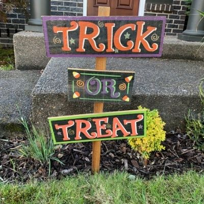 Sustainable and Safe Halloween Tips Decorations Sign